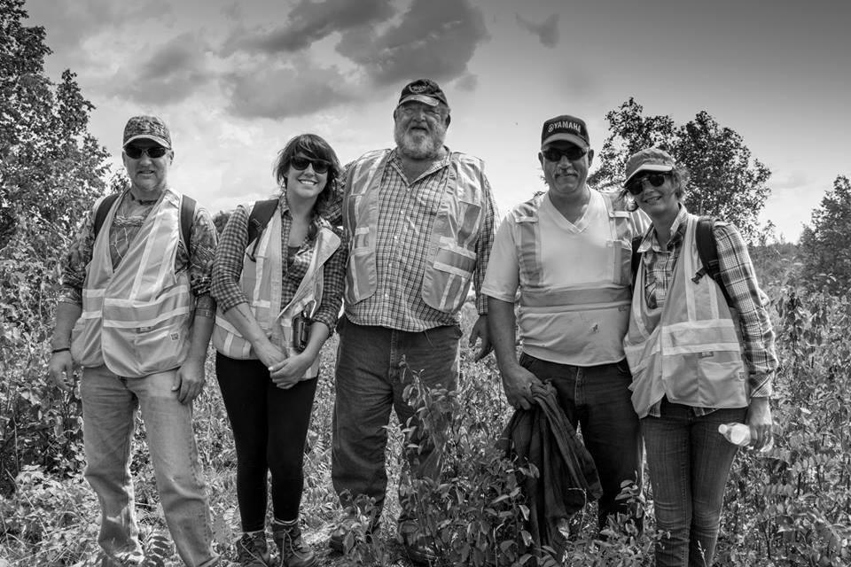 """Shared Value Solutions Team Members Kathleen """"Kat"""" Ryan M.S. (Ecologist & Human Environment Consultant) and Trieneke Gastmeier M.A. (Archaeologist) conducting harvesting & cultural heritage assessment fieldwork with Aboriginal knowledge-holders"""